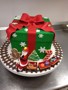 Christmas Cake - Shaped - 114