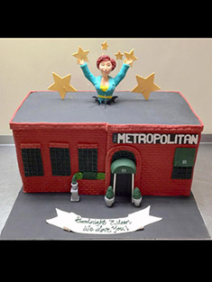 The Metropolitan Cake - Shaped Cakes - 54