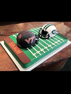 Footbal Helment and Field Cake - Shaped Cakes - 77